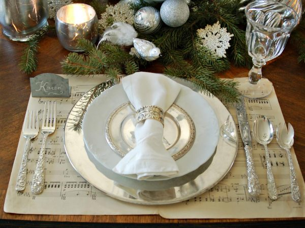 Creative Christmas Table Decorationsentertaining Ideas   Party Medium