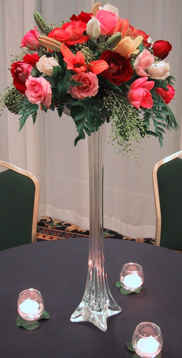 Our Favorite Wedding Centerpieces Tall Vases With Flowers Wedding Medium