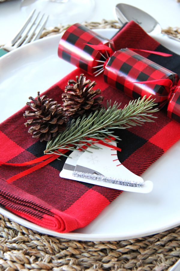 Perfect Christmas Place Setting Ideas A Pretty Life In The Suburbs Medium