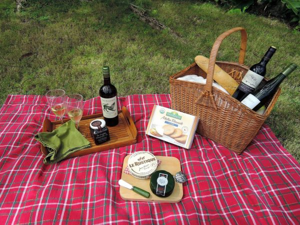 Perfect Love Design Barbados   Packing The Perfect Picnic Basket Medium