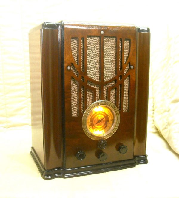 Collection Old Antique Wood Fada Vintage Tube Radio Restored