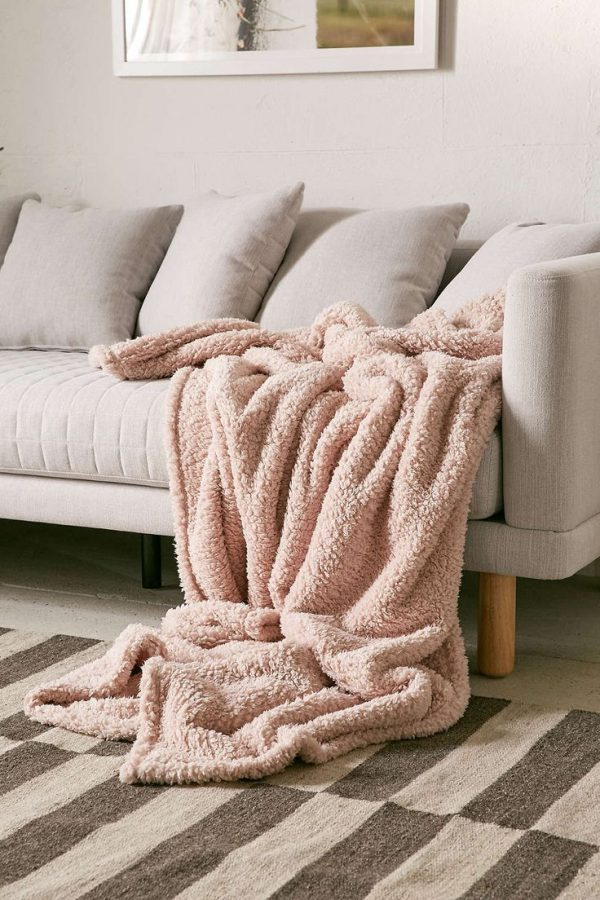 Example Of A 92 Best Cozy Throws   Decor Images On Living Medium