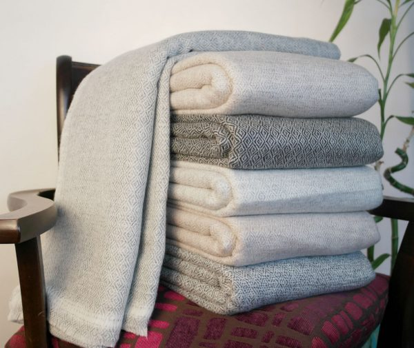 Looking Cashmere Wool Blankets Throws 100  Hand Woven Travel Medium