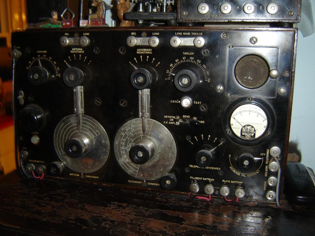 search antique vintage radio