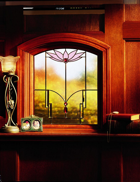 Top Series Art Glass Classic Series Lotus Design Medium