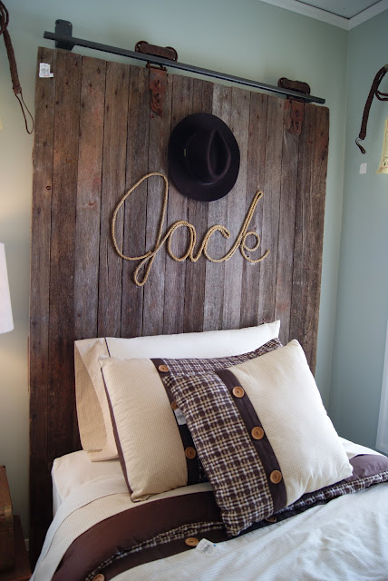 Bore Headboard Ideas For Boys Rooms Design Dazzle Medium
