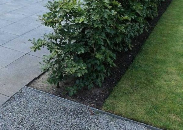 Browse Hardscaping 101 Design Guide For Paths And Pavers Gardenista Medium