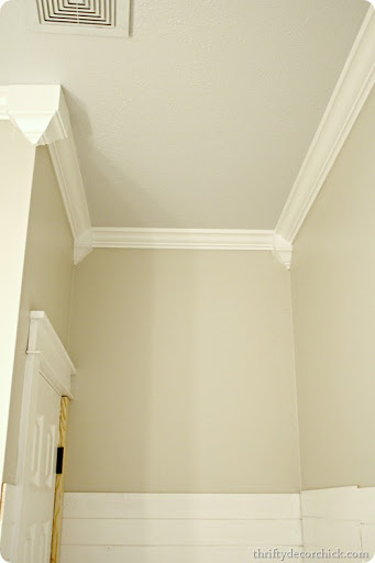 Cheater crown molding from Thrifty Decor Chick