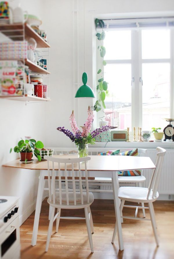 Clever 10 Stylish Table Eat In Small Kitchen Ideas Decoholic Medium