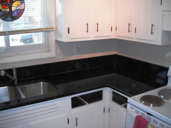 Clever Uba Tuba Granite Goes Great With White Cabinets Medium