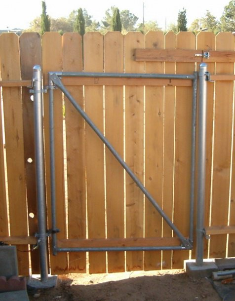 Collection Wood Fence With Metal Post Building   Construction Diy Medium