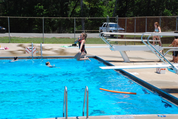 Cool Board  Inexpensive Swimming Pool With Diving Boards Medium