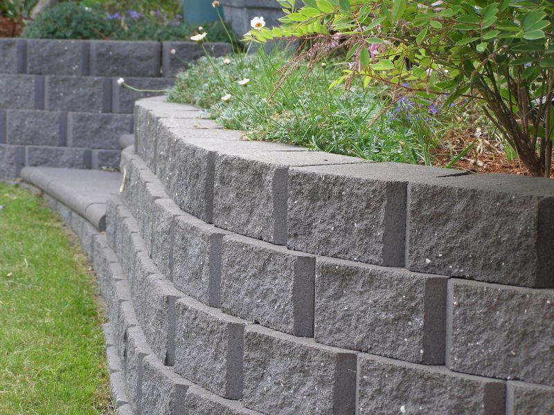 example of a gardenstone retaining wall bluestone 5 island block pavers