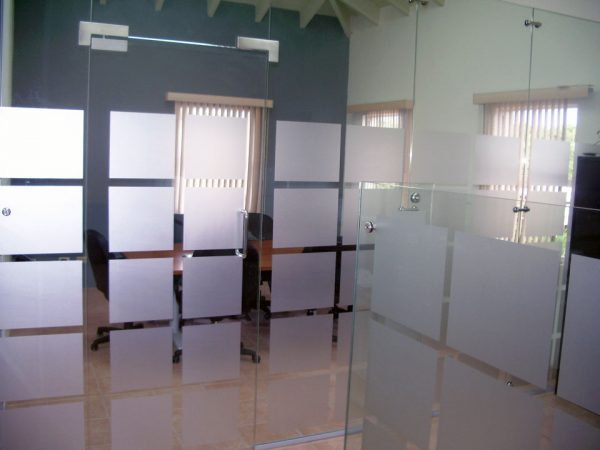 Explore Elite Free Standing Glass Wall Dividers Medium