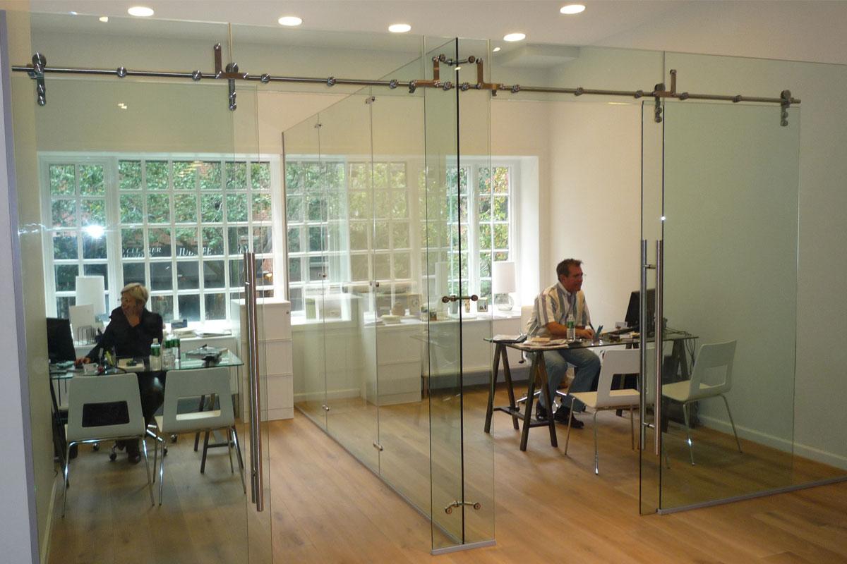 explore freestanding glass walls   partitionsavanti systems usa