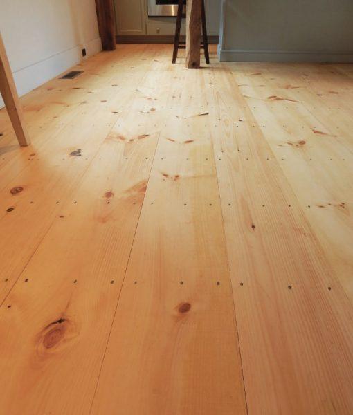 Get Wide Pine Plank Flooring Medium