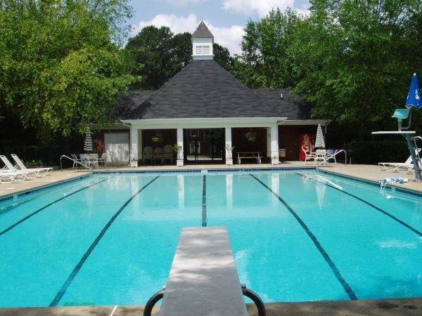 How to choose a diving board for your swimming pool