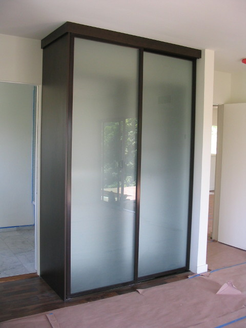 Innovative Free Standing Closet Acid Etched Wardrobe Doors