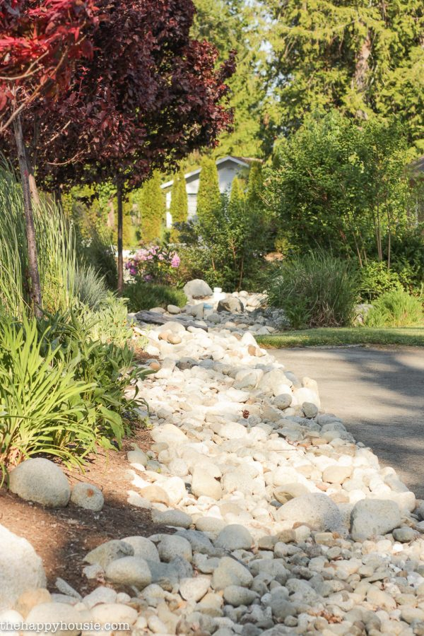Innovative Landscaping With River Rock   Dry River Rock Garden Ideas Medium