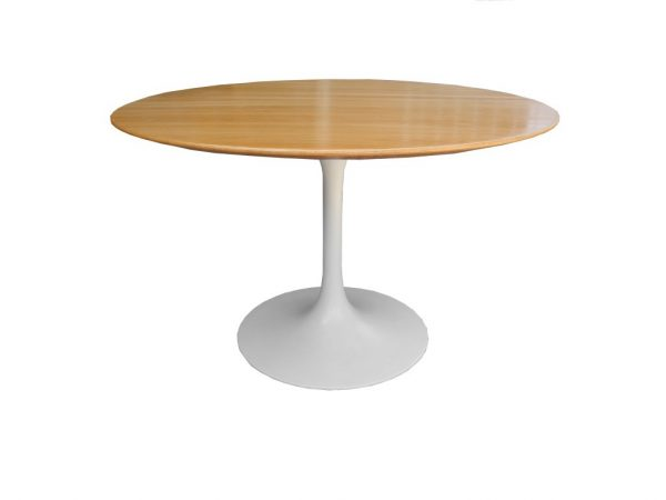 Innovative Saarinen Dining Table At 1stdibs Medium