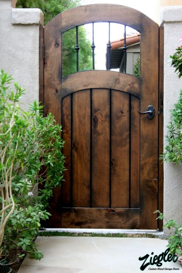 Inspiration 25  Best Ideas About Side Gates On Medium