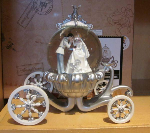 Inspiration Disney Cinderella Wedding Carriage Snowglobe Brand New Medium