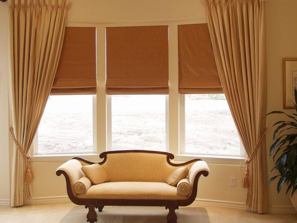 Inspirational Bay Window Curtains Ideas For Privacy And Beauty Medium