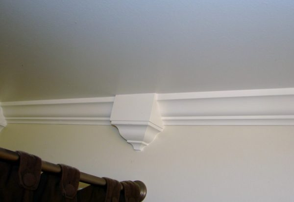 Interior Fetching Image Of White Crown Molding Corner Medium