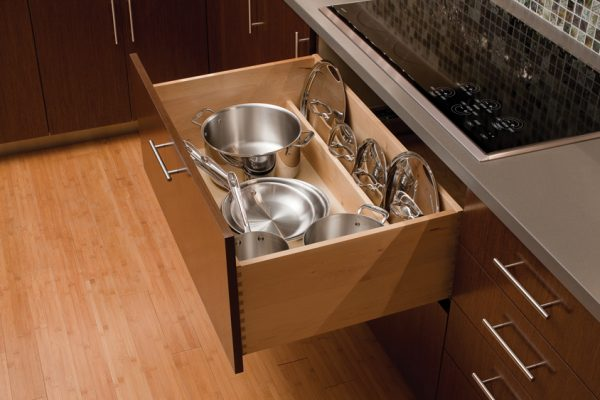 Looking Cardinal Kitchens   Bathsstorage Solutions 101 Pots Medium