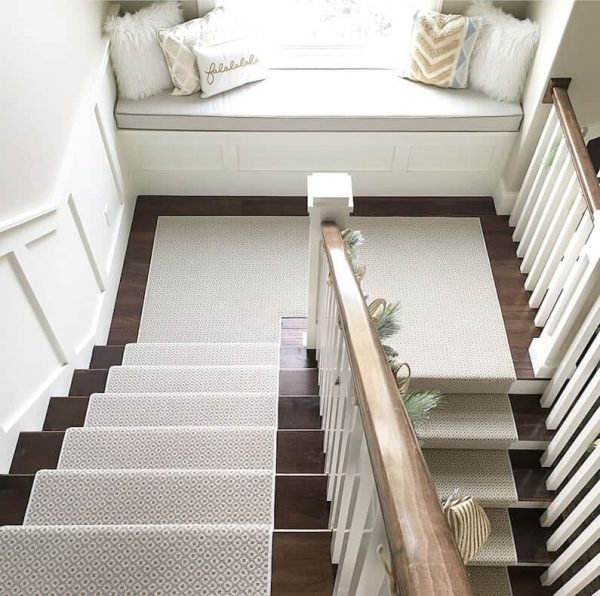 Looking How To Choose And Lay A Stair Runner An Overview Medium