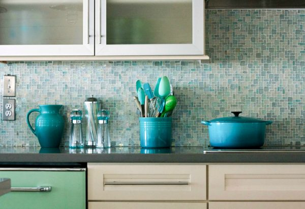 Our favorite 18 Gleaming Mosaic Kitchen Backsplash Designs