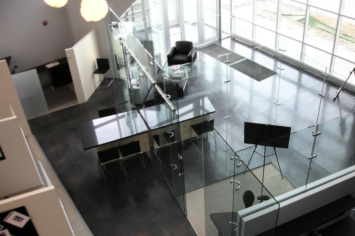 perfect freestanding glass walls   partitionsavanti systems usa
