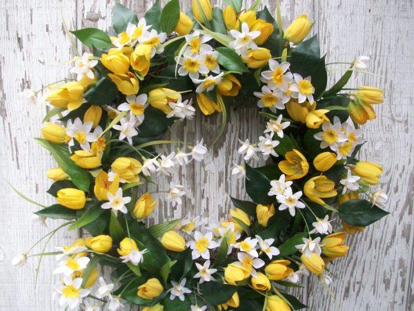 Popular 22 Enlivening Handmade Spring Wreath Designs Style Medium