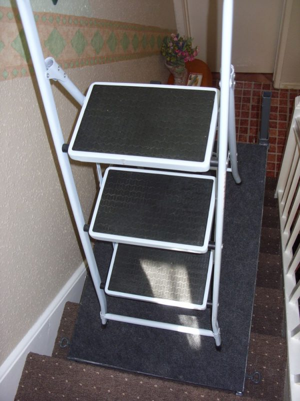 Popular Stair Ladder Stand Leveller Platform Step Stairwell Medium