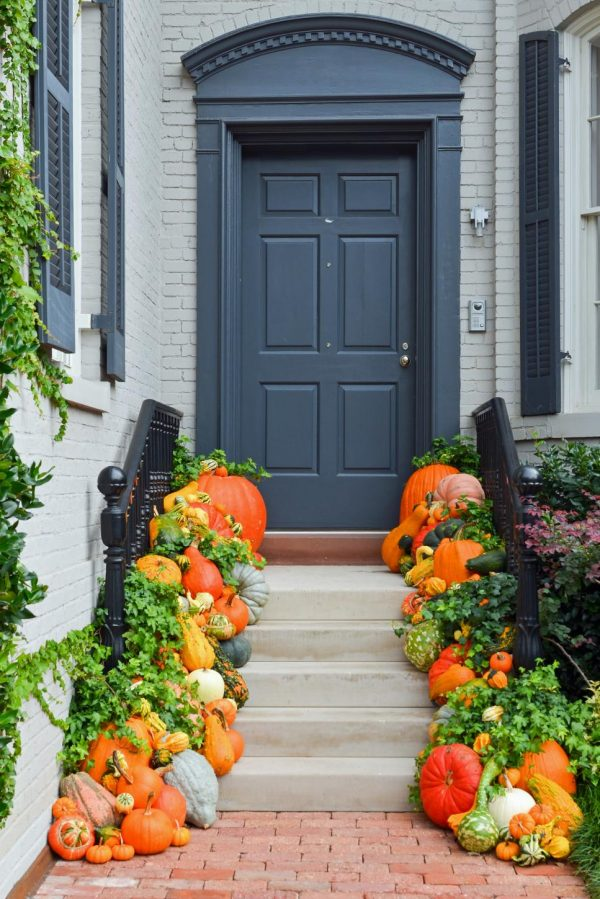Search 10 Easy Essentials For Outdoor Fall Decoratingdiy Medium