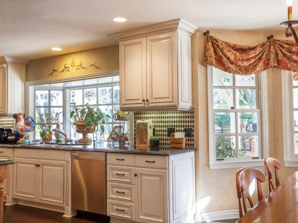 Search Small Kitchen Window Treatments Hgtv Pictures   Ideashgtv Medium