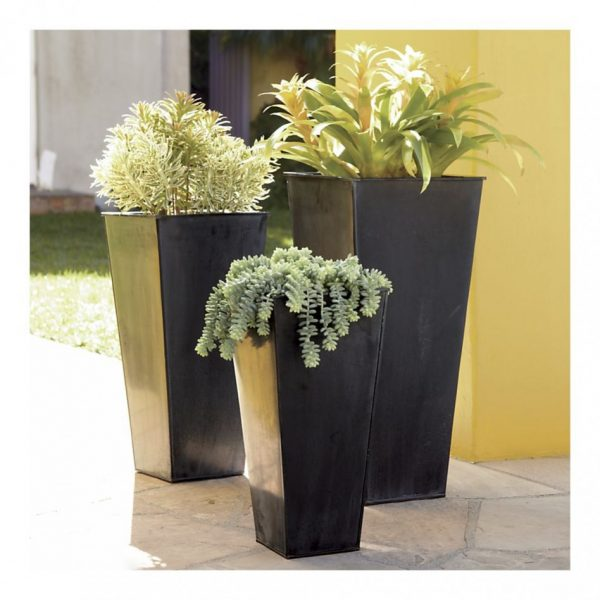 Simple And Neat Black Floor Standing Flower Pot Medium