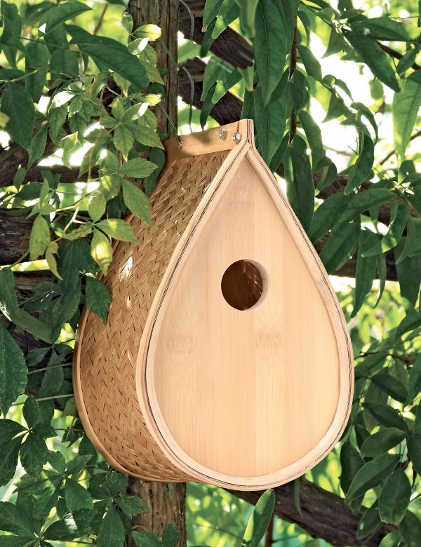 Simply Woven Bamboo Birdhouse For Finches Titmice   Nuthatches Medium