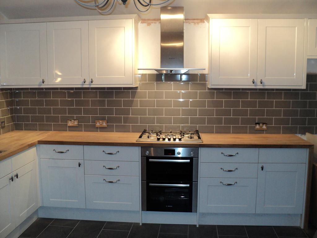 style find out beautiful kitchen tile designs