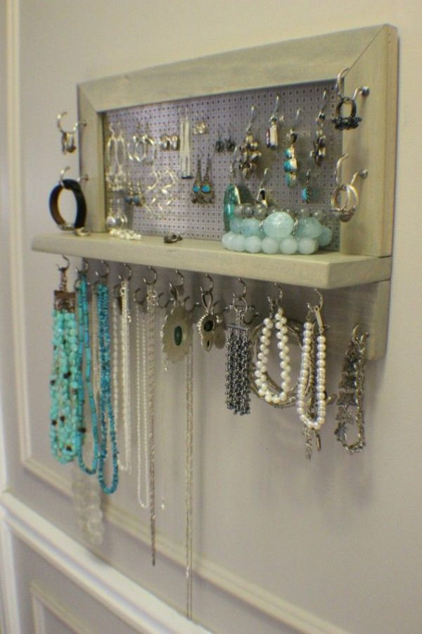 Tips 25  Best Ideas About Diy Jewelry Holder On Diy Medium