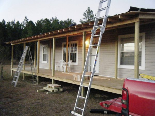 Tips Adding A Covered Porch To A Mobile Home Medium