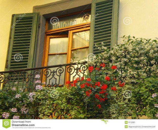 Tips Tuscany Window With Shutters Stock Image Image Of Medium