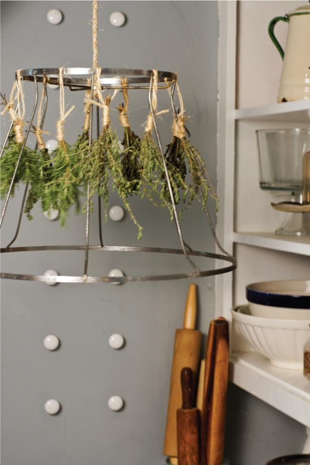 top how to make an inexpensive herbdrying rackhgtv