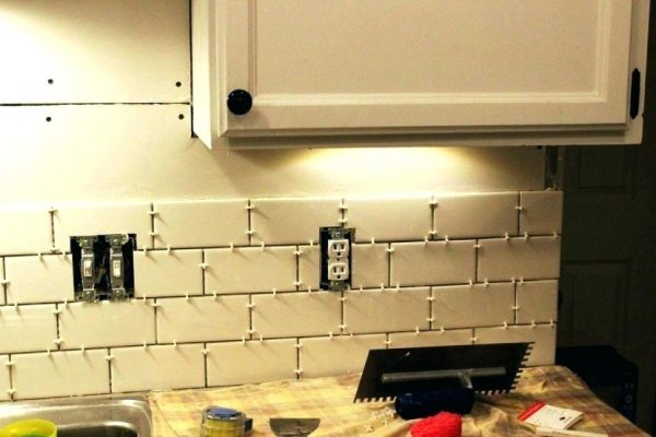 We Share Cost To Install Subway Tile Backsplash Tile Installation Medium