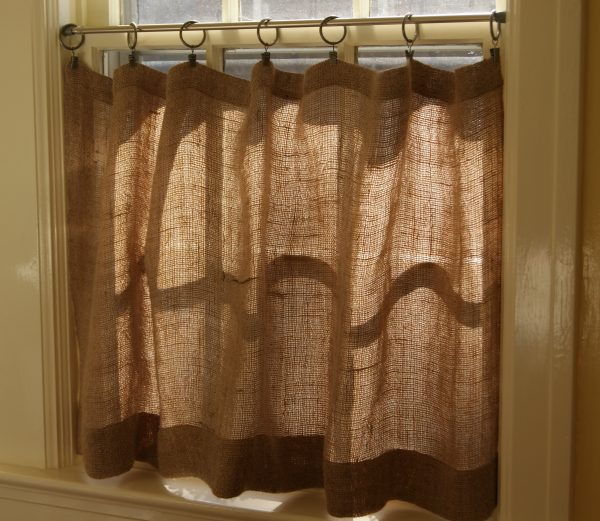 We Share How To Make Burlap Cafe Curtains Guest Post The Medium