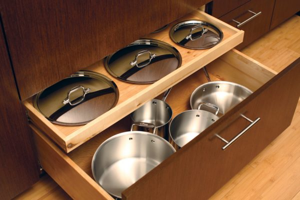 We Share Pots   Pans Storagecookware Cabinetsdura Supreme Medium