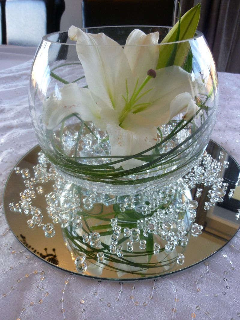 collection centerpiece bubble vase with mirrorwater pearls