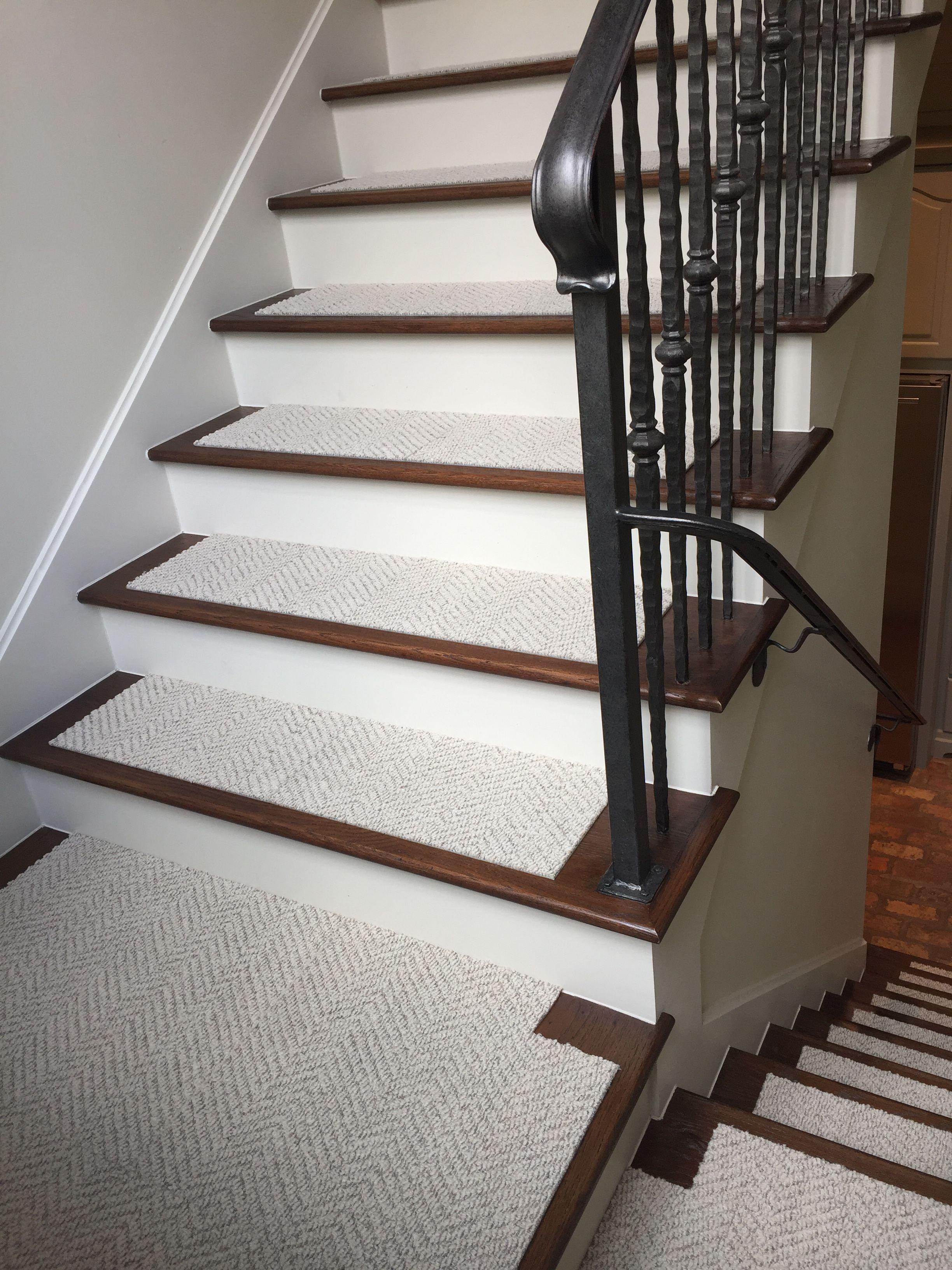creative flor tiles on stairstile design ideas
