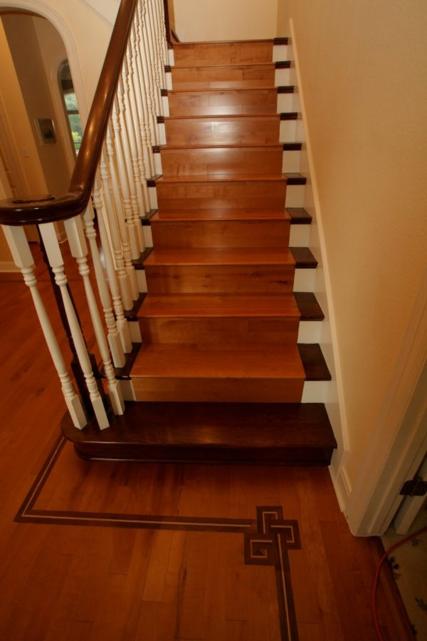 Get Stairs With Tile And Woodtile Design Ideas Medium