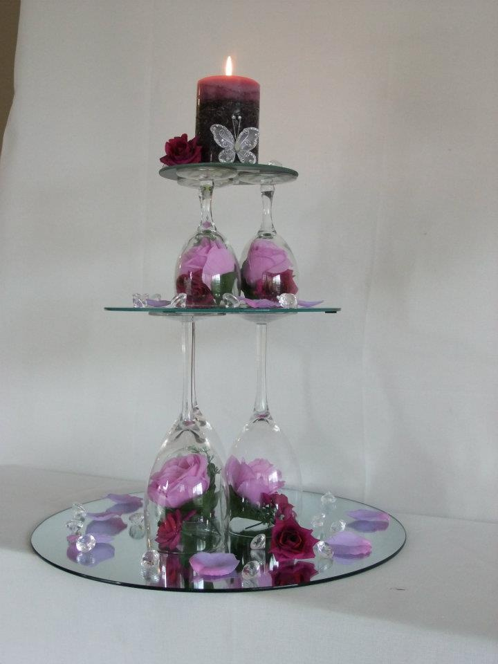 looking wedding centerpieces with mirrors and candles